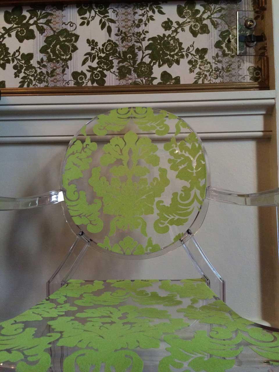 chatsworth-wallpaper-chair