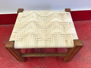 SRCCC-Splint-reed-footstool